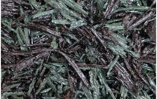 Green and brown mix bonded rubber mulch