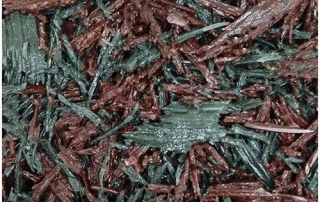 Red and green bonded rubber mulch
